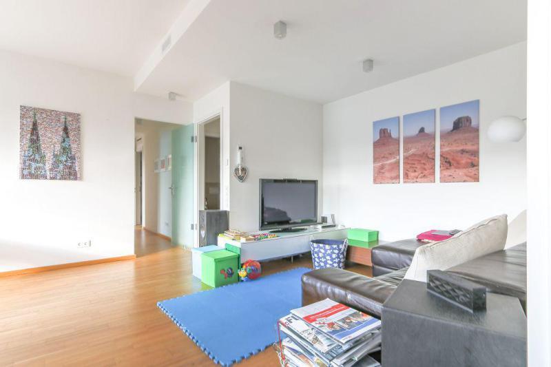 haus und wohnung markus l hr seltene gelegenheit gepflegte 3 raum wohnung in begehrter lage. Black Bedroom Furniture Sets. Home Design Ideas